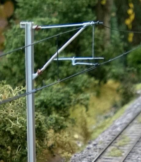 Łączenie przewodów jezdnych w naturze.jpg