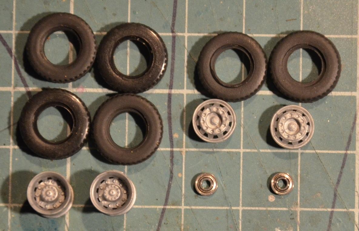 06-opony gumowe przód_tył.JPG