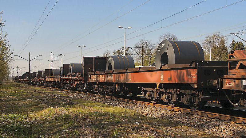 09. wagony ze stalą 01.jpg