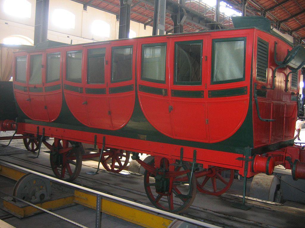 1024px-Wagen_erster_italienischer_Zug.jpg