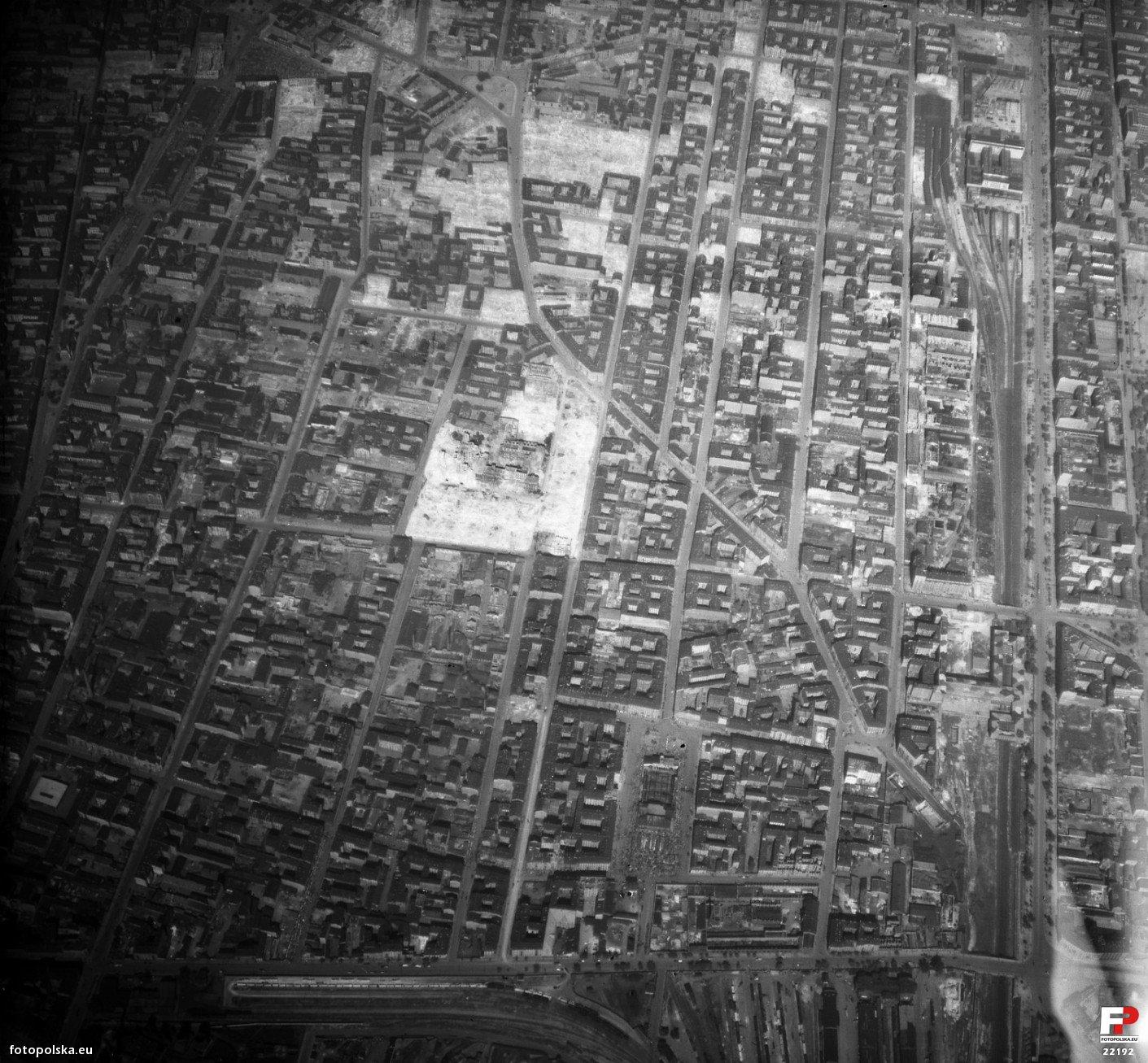 15a. Zdjęcie lotnicze Luftwaffe. Lipiec 1944 (1).jpg