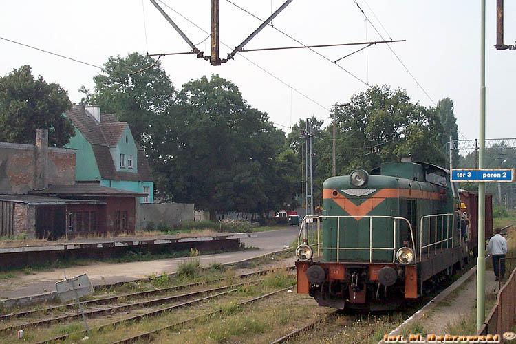 2002-09-05 Kamień Pomorski SM42-440 [CM Szczecin] przyprowadziła pociąg zdawczy2.jpg