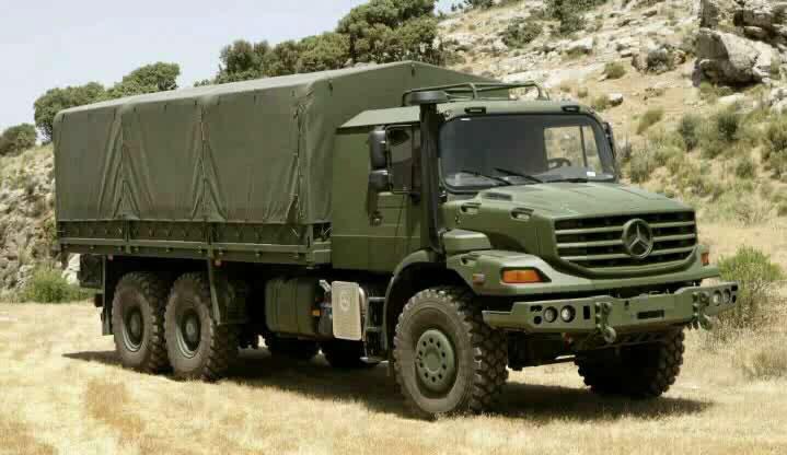 23_Mercedes_Benz_Zetros_Off_Road_Truck_1.jpg
