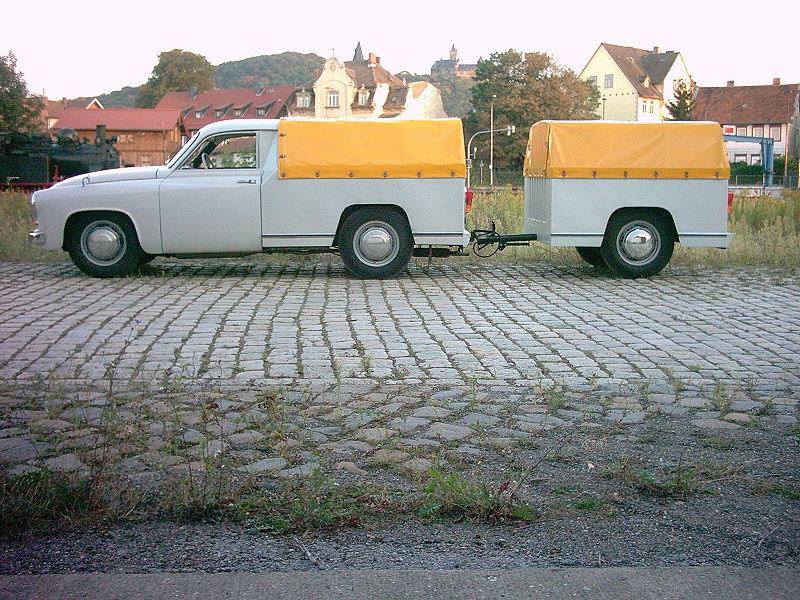 800px-Wartburg_Schnelltransporter_mit_Anhänger_3.jpg