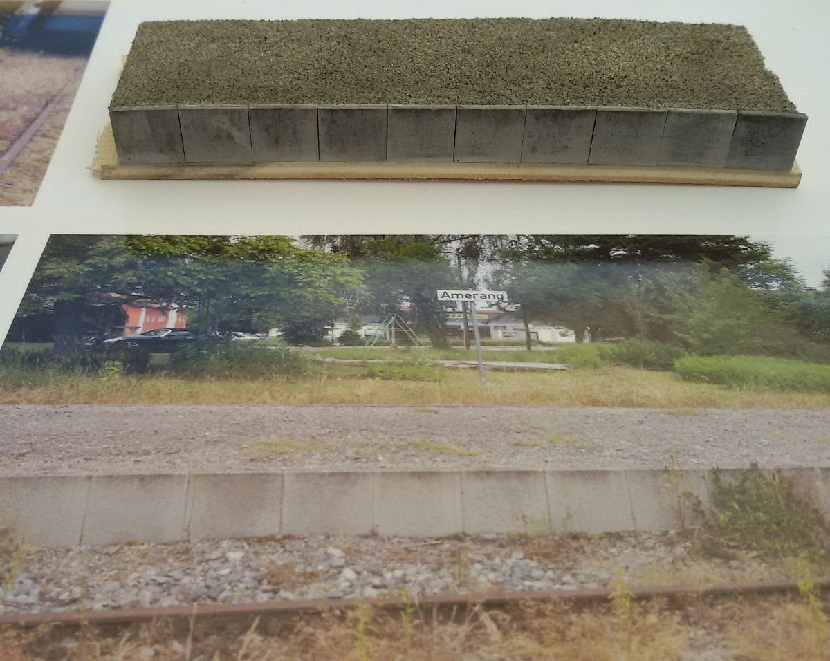 BahnsteigVorbildundModelAmerang_s.jpg