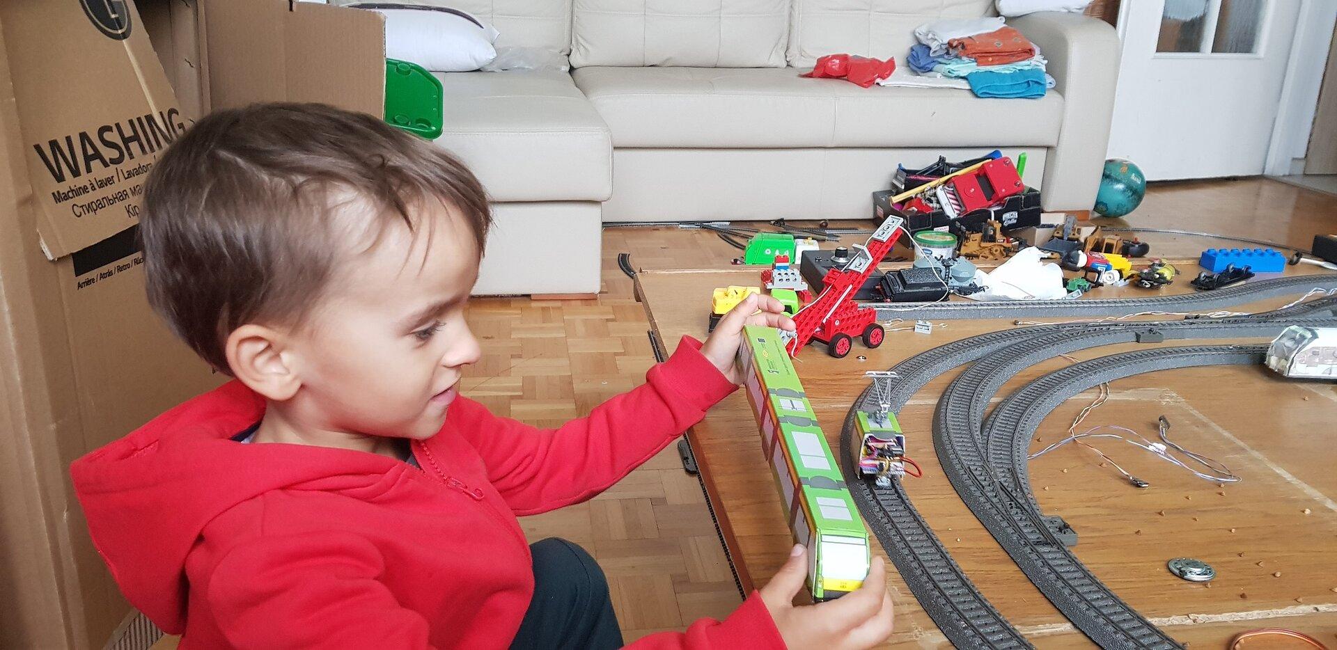 Bartus cos trzeba zrobic z tym tramwajem 2.jpg