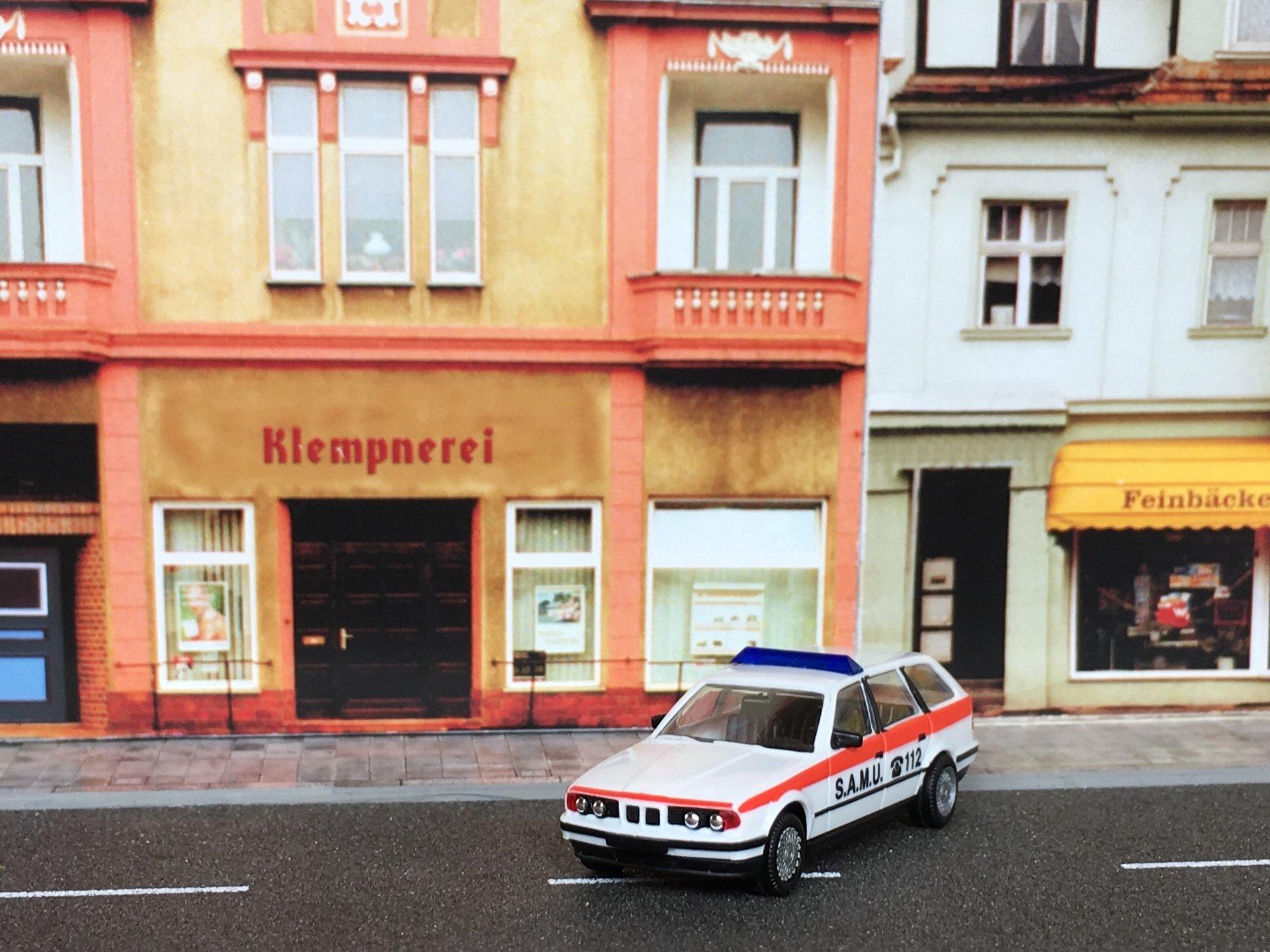 BMW 525i SAMU 02.jpg