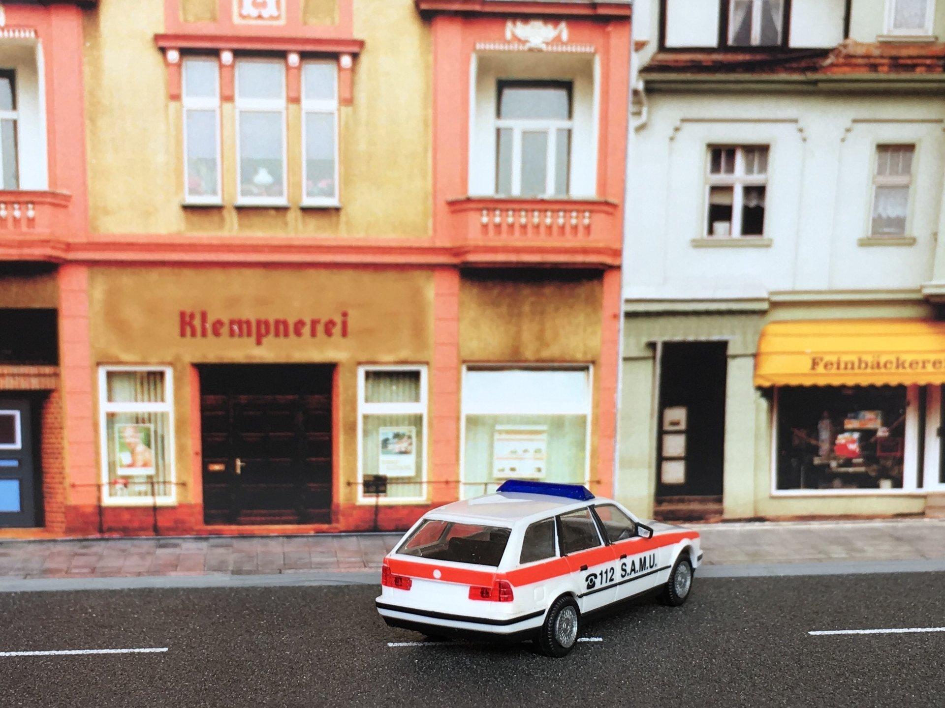 BMW 525i SAMU 03.jpg
