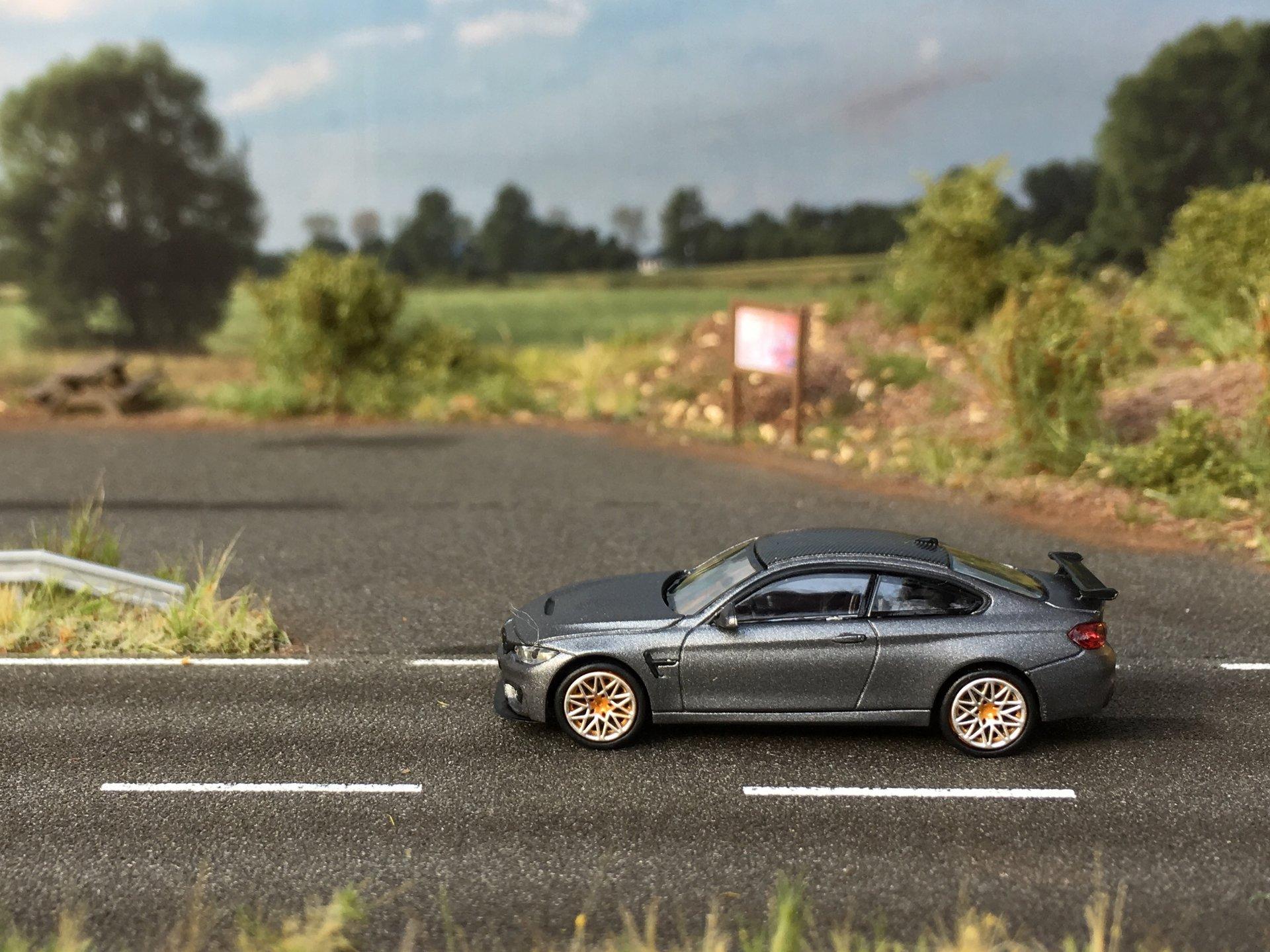 BMW M4 GTS grafit 001.jpg