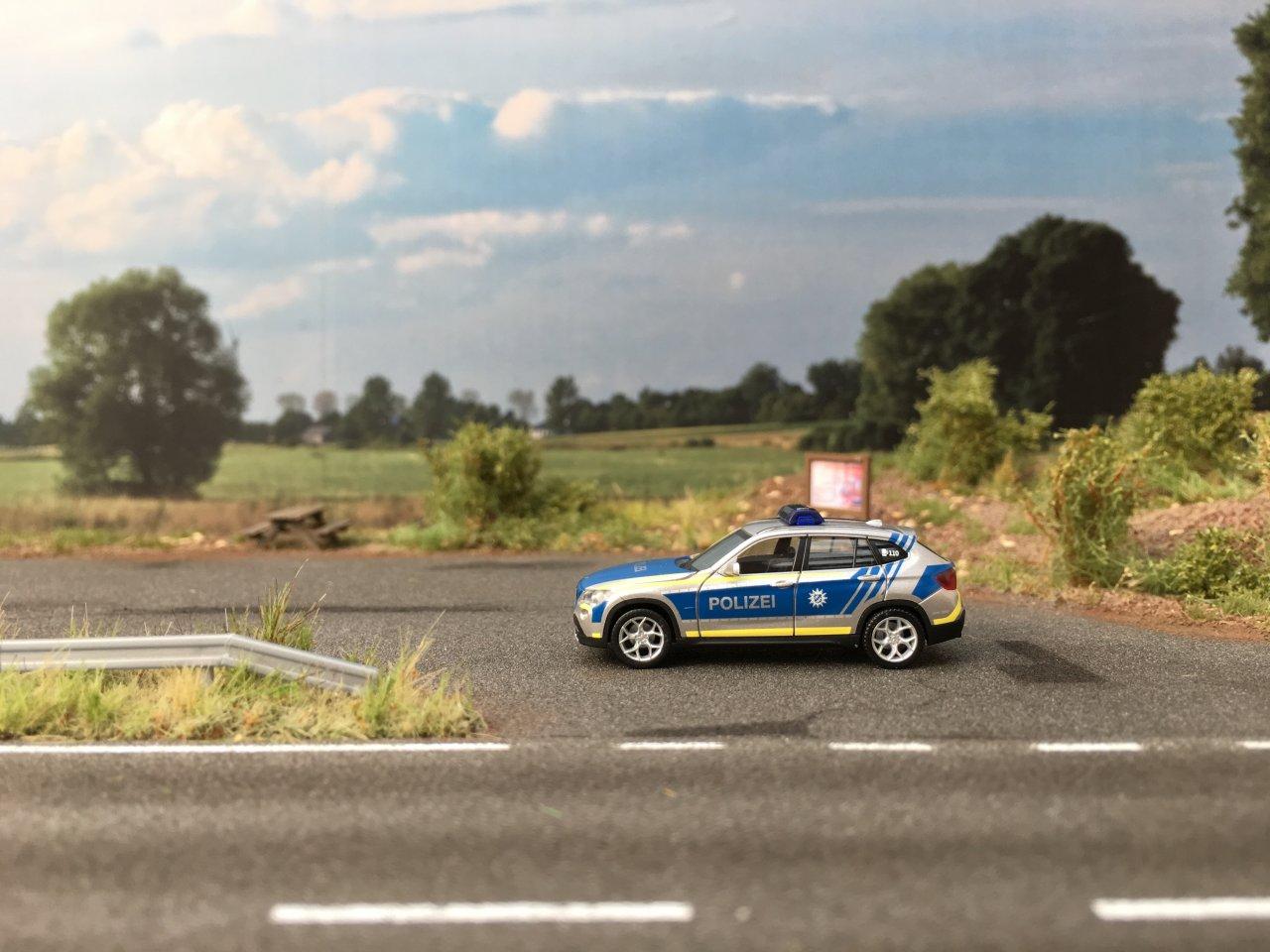BMW X1 Polizei Bayern  01.JPG