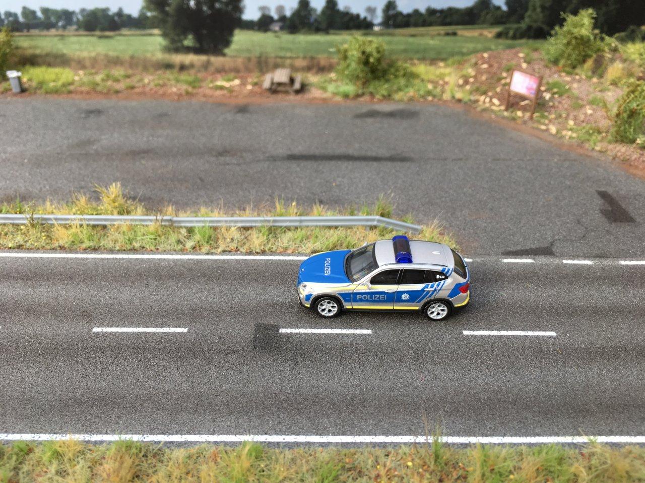 BMW X1 Polizei Bayern  06.JPG