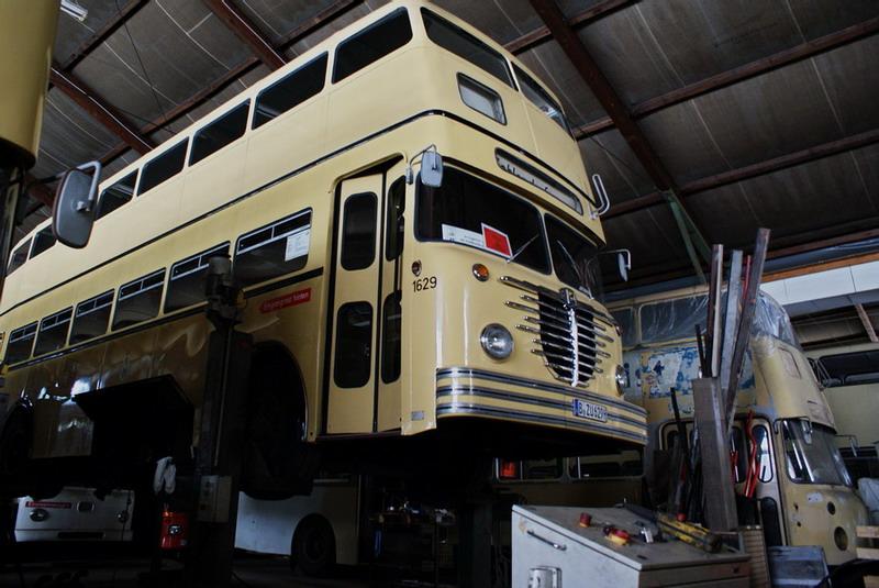 bus2k.jpg