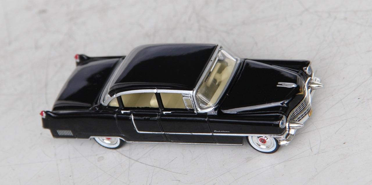 Cadillac-Fleetwood-55-01.JPG