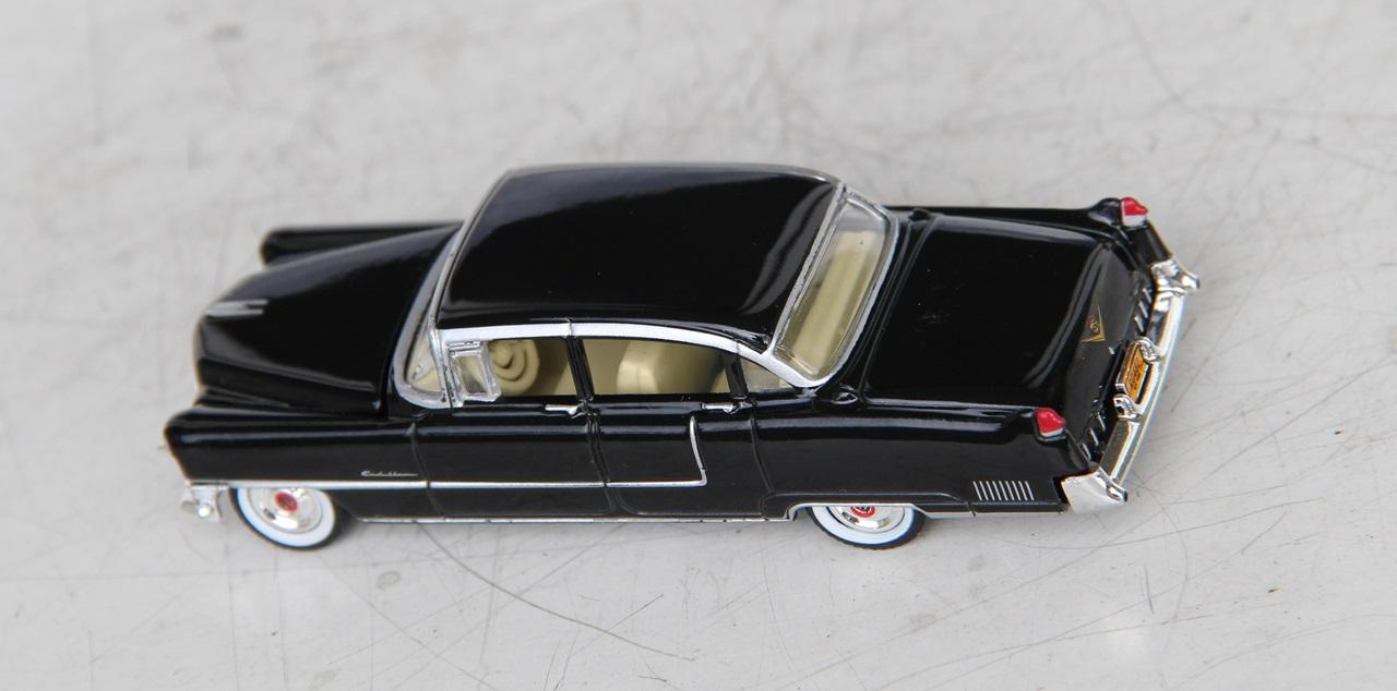 Cadillac-Fleetwood-55-02.JPG