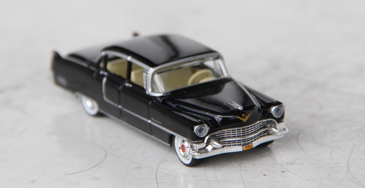 Cadillac-Fleetwood-55-03.JPG