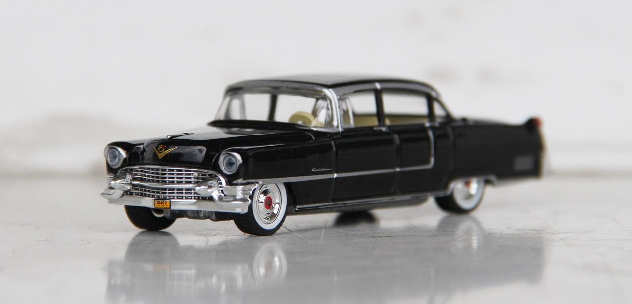 Cadillac-Fleetwood-55-05.JPG