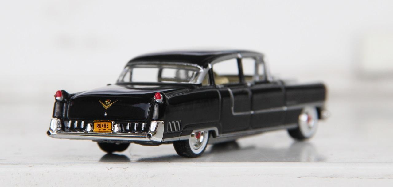 Cadillac-Fleetwood-55-06.JPG