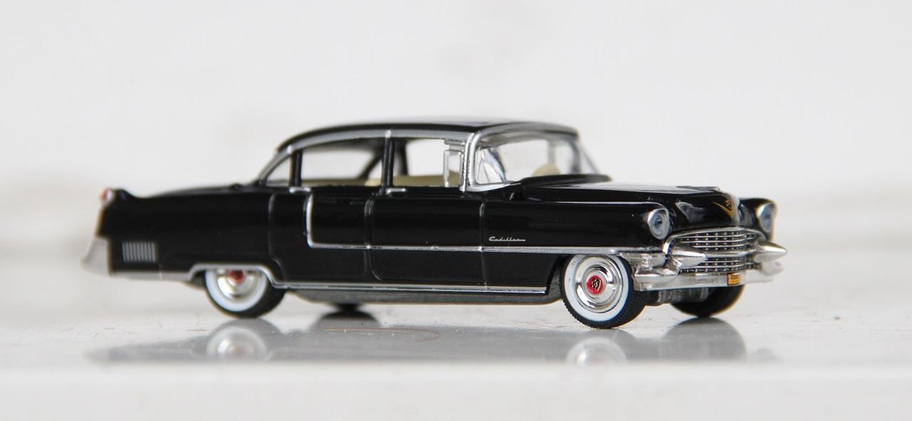Cadillac-Fleetwood-55-07.JPG