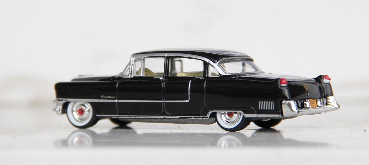 Cadillac-Fleetwood-55-08.JPG