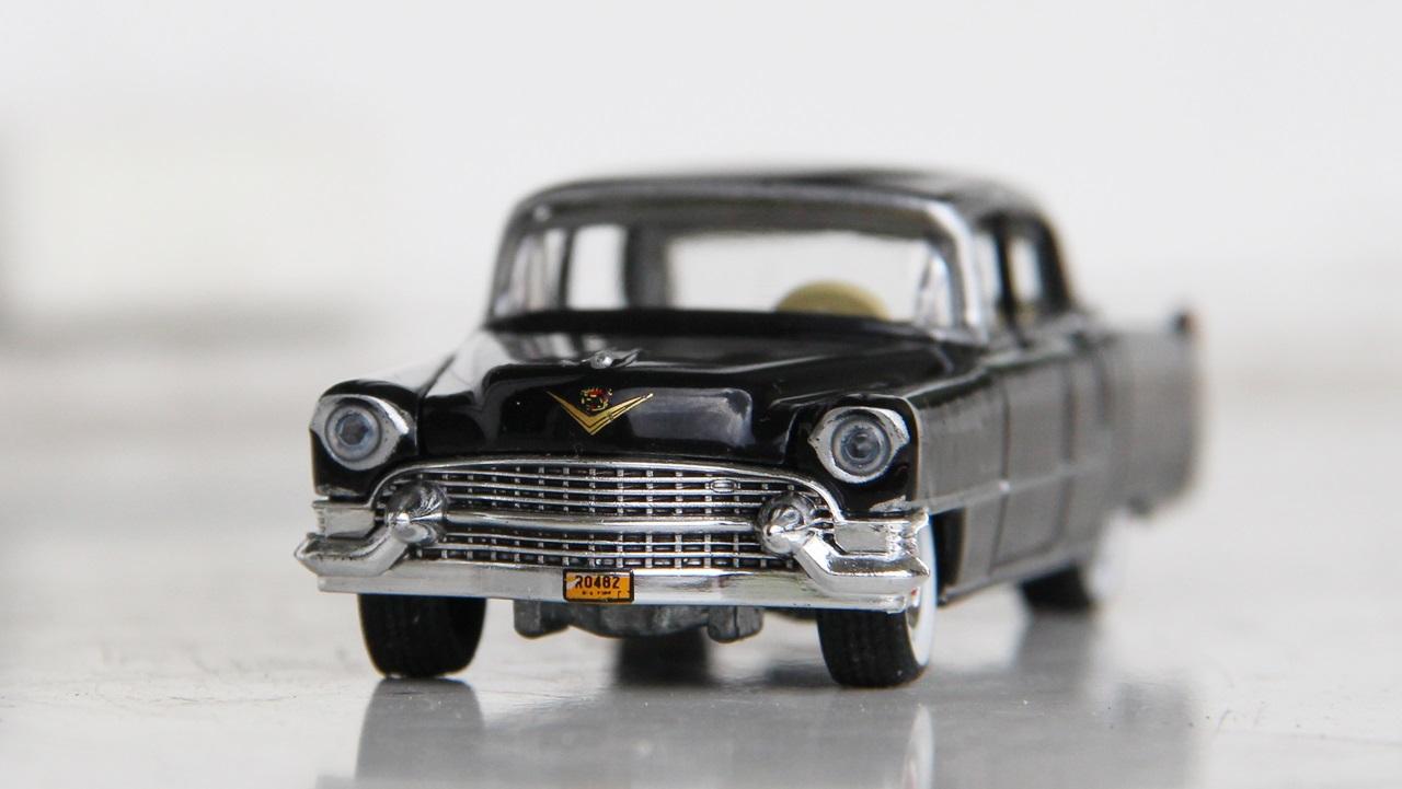 Cadillac-Fleetwood-55-09.JPG