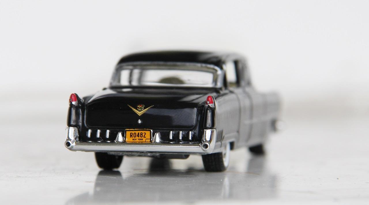 Cadillac-Fleetwood-55-10.JPG