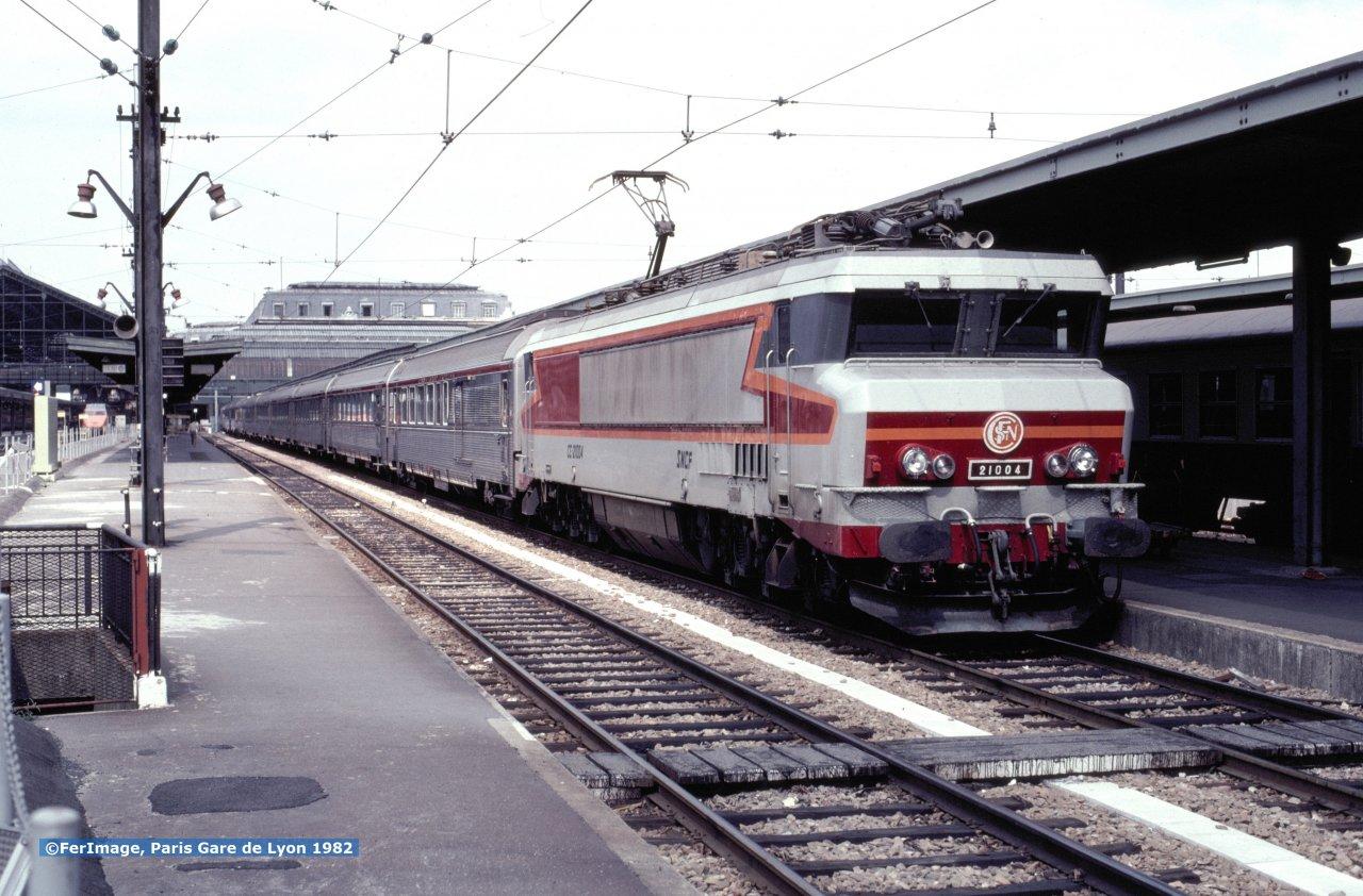 CC 21004 TEE Cisalpin to Lausanne and Milano Paris Gare-de-Lyon  August 23, 1982.jpg