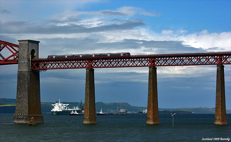 class 170 Forth Rail Bridge.jpg
