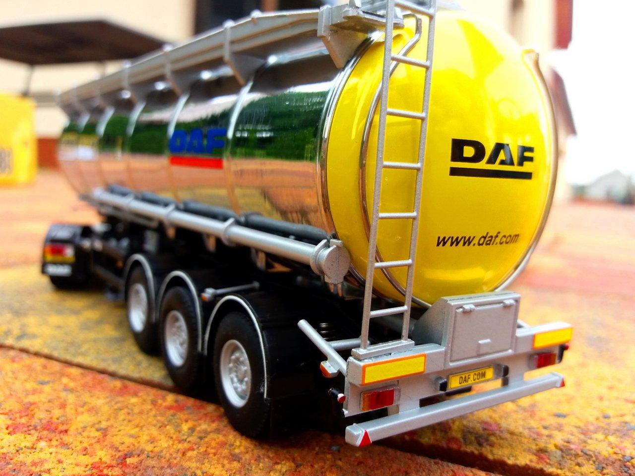 DAF CF 4.jpg