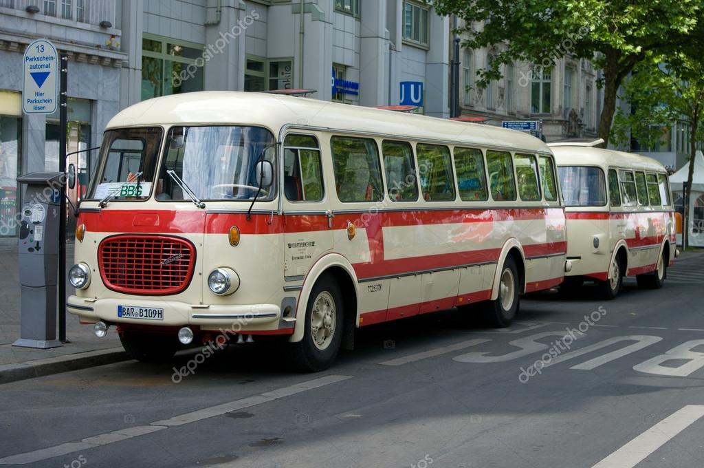 depositphotos_27634415-stock-photo-bus-skoda-706-rto-karosa.jpg