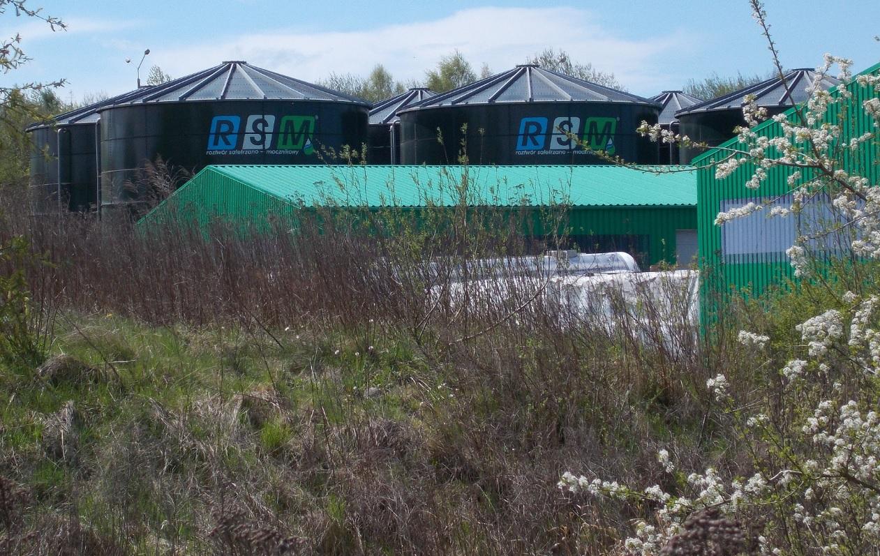 Dobre Miasto - zbiorniki na nawóz RSM na terenie firmy AGROCHEM.jpg