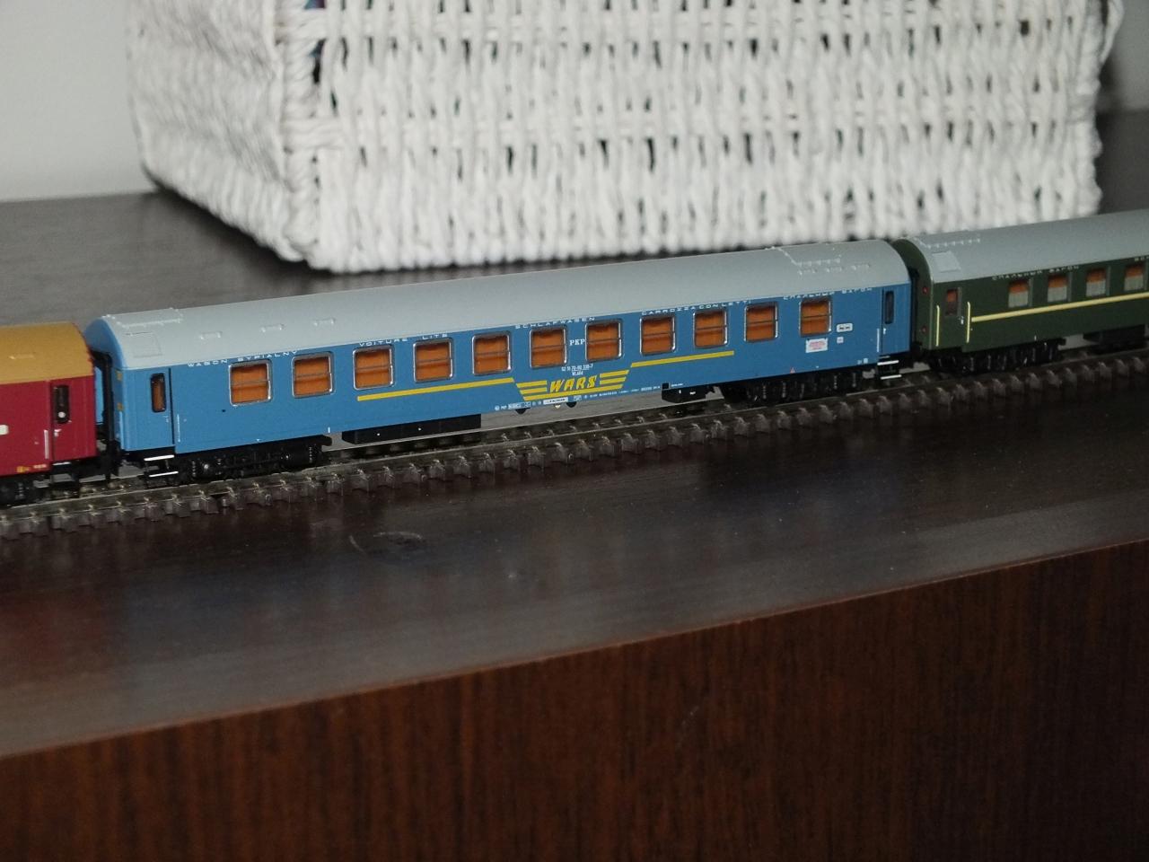 DSCF8900_male.jpg