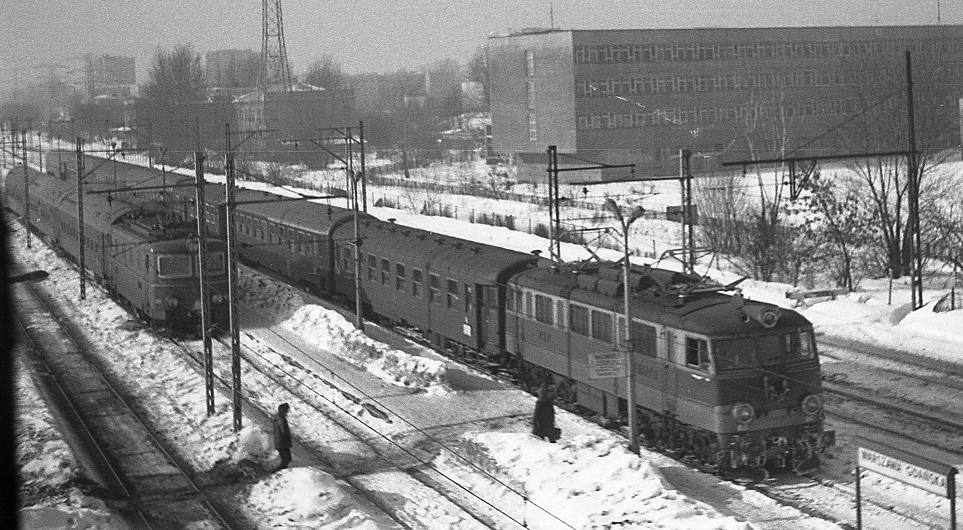 Dworzec Gdański zima 1979.jpg