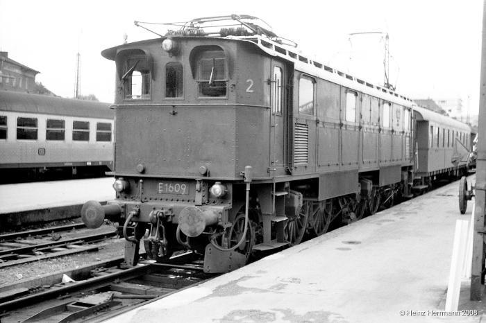 E1609_2_Muenchen-Hbf_1966 (kl.V).jpg