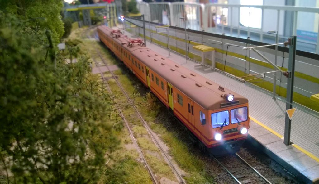 EN57 1932 w Arturowie.jpg