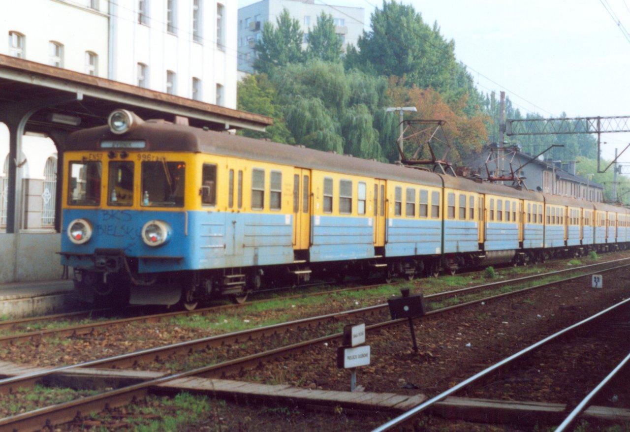 EN57-996 Rybnik 2.09.2000.jpg