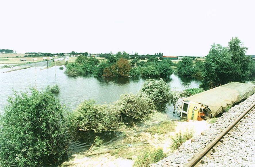 ET 22 - 308 - MIZERÓW - PRZYSZOWICE - LIPIEC 1997 2. FOT. WALARUS A..jpg