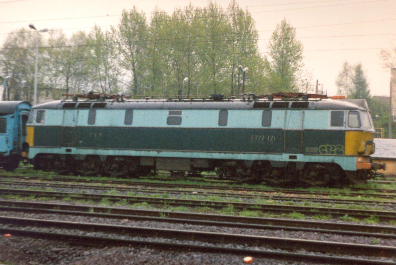 ET22-121 Rybnik 05.1998.jpg