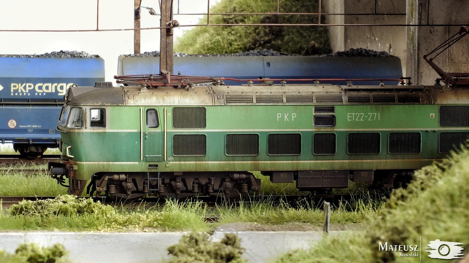 ET22 2.jpg