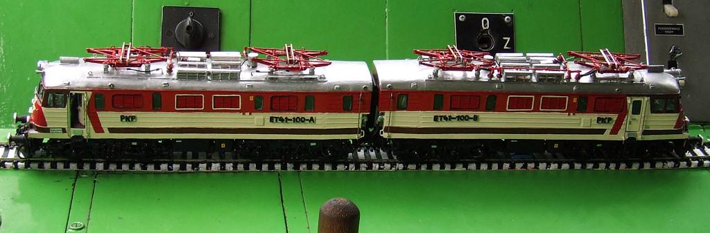 et41-100 model 2.JPG
