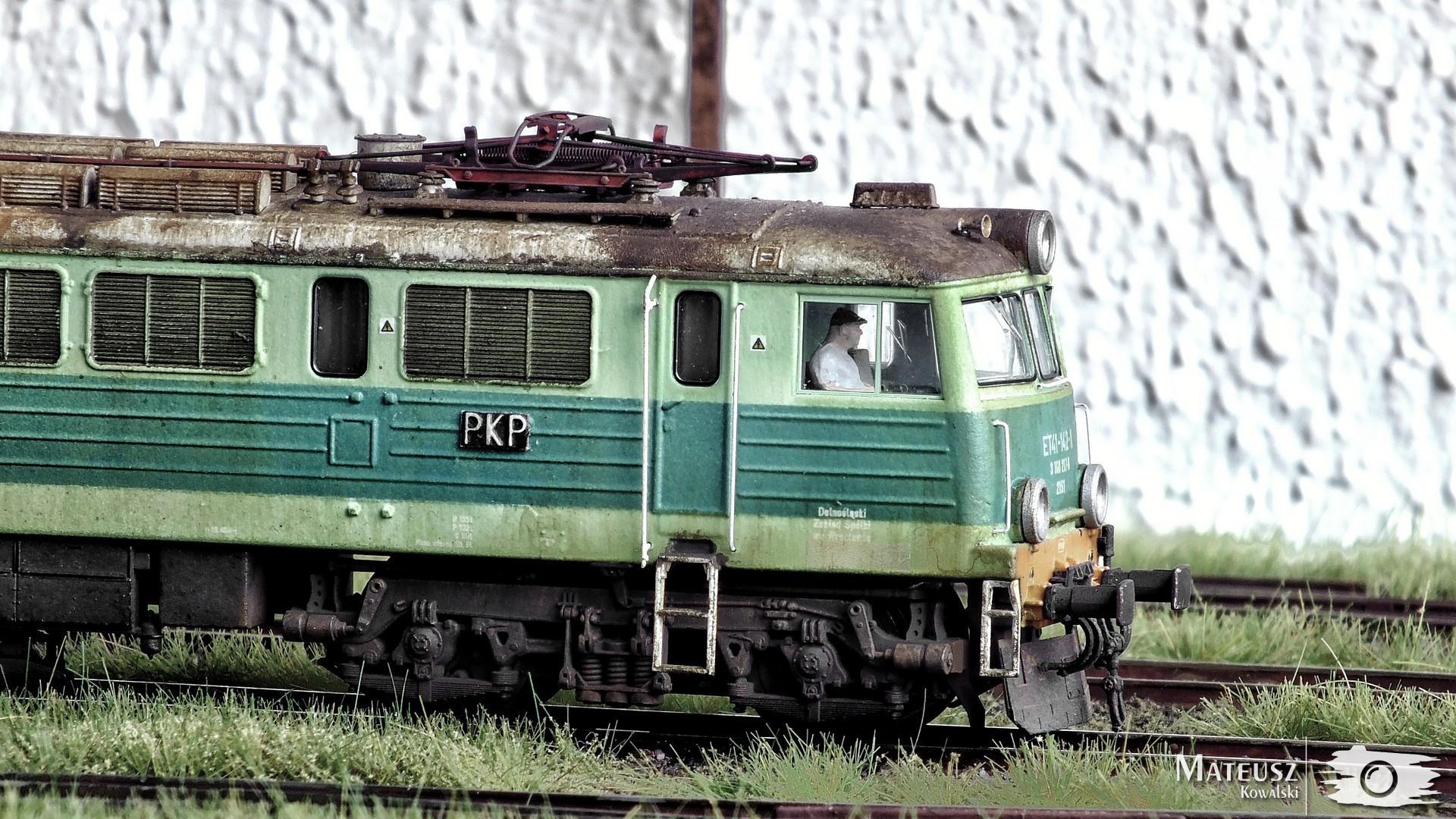 ET41-142 04.jpg