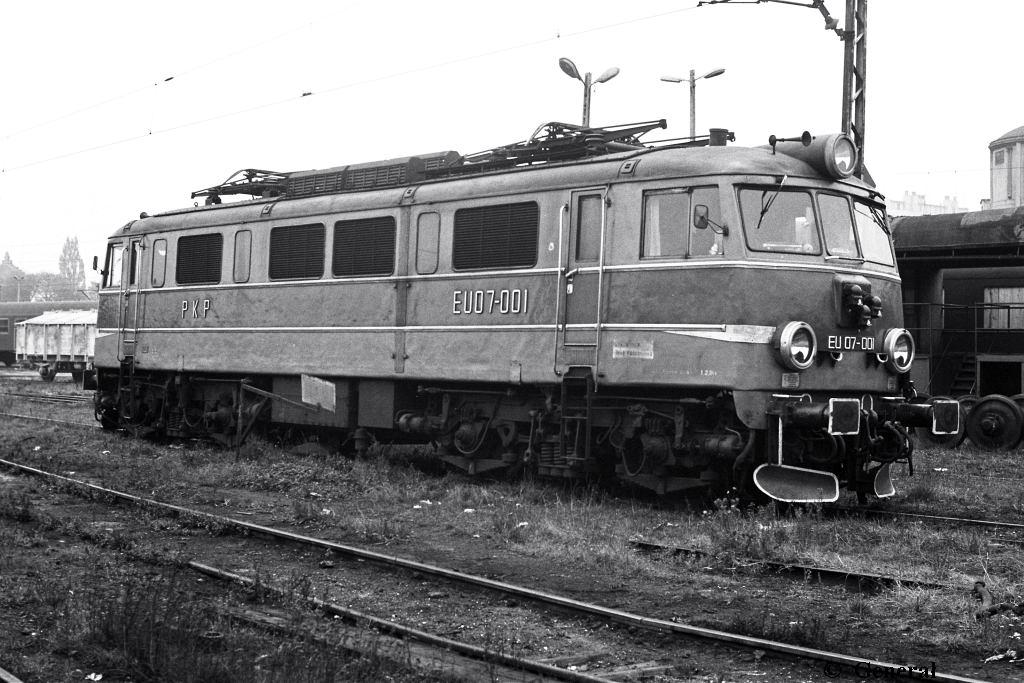 EU07-001 RZESZOW 1985.jpg