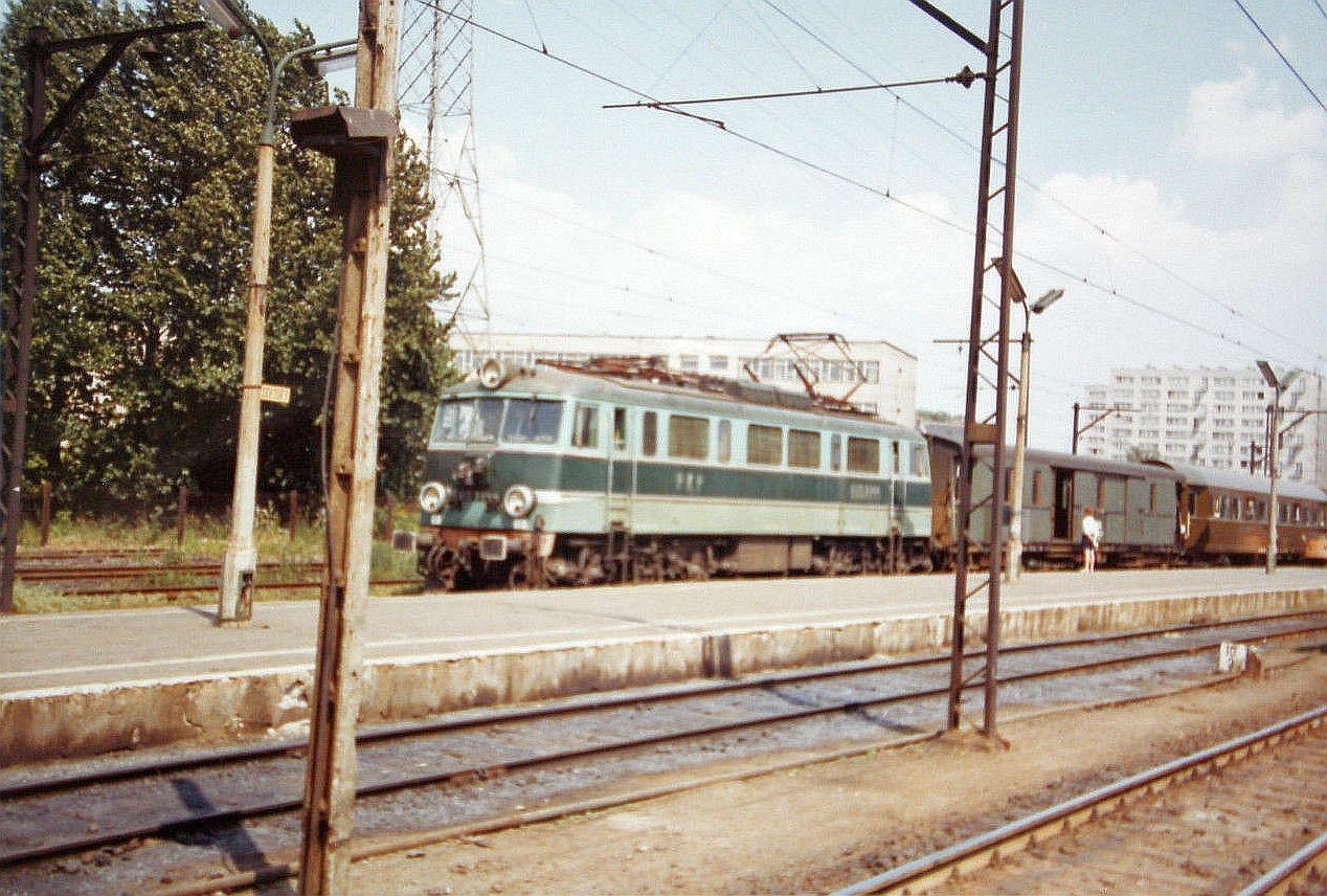 EU07-144 Warszawa 05 1973.jpg
