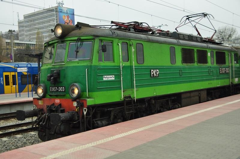 EU07-303 Gdynia Główna.jpg