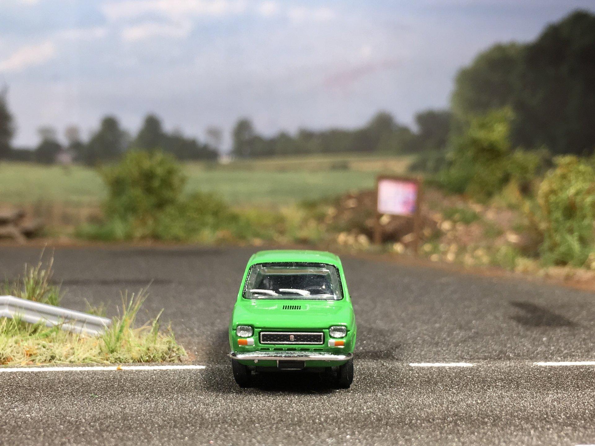 Fiat 127 zielony 006.jpg