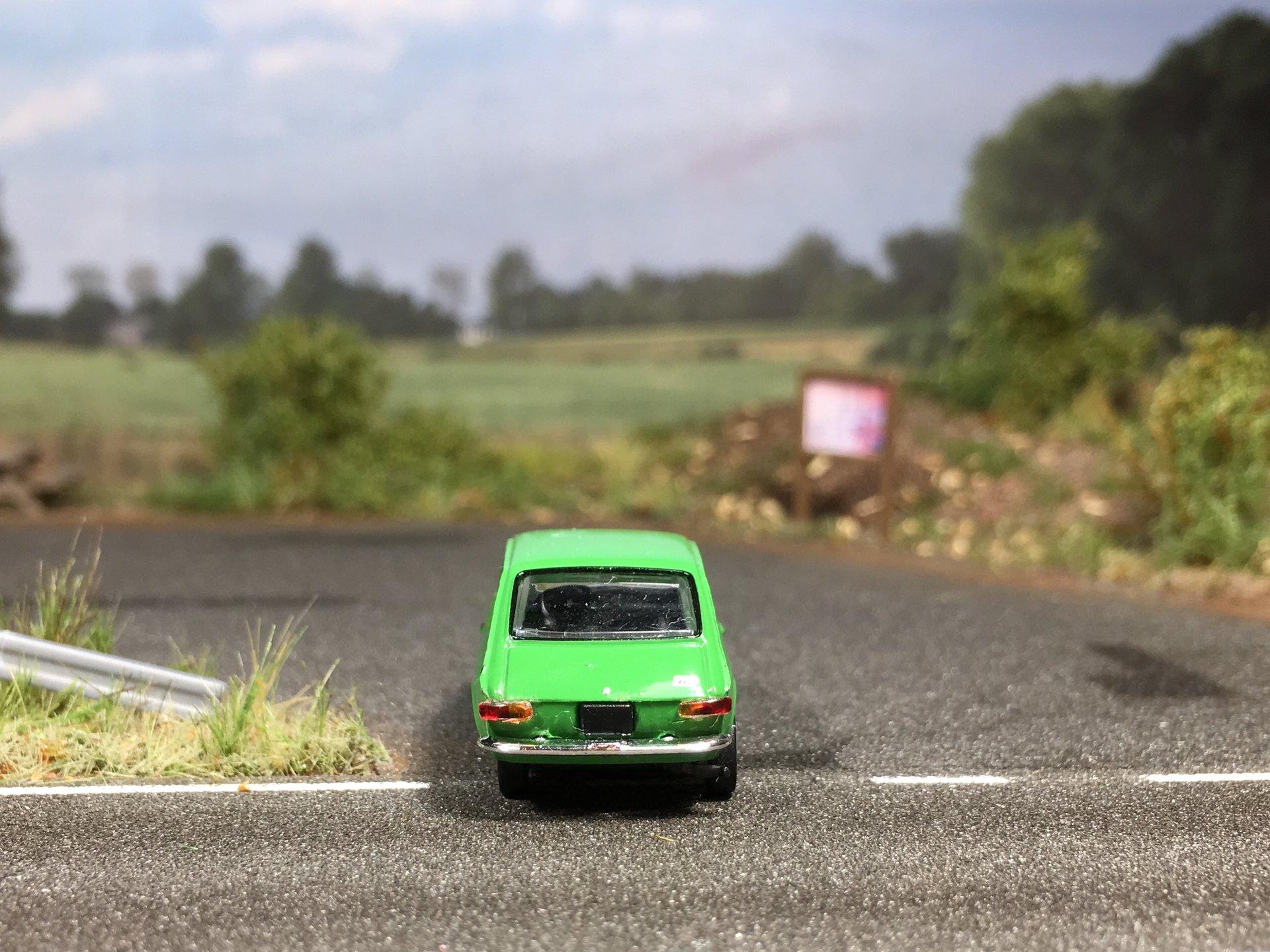 Fiat 127 zielony 007.jpg