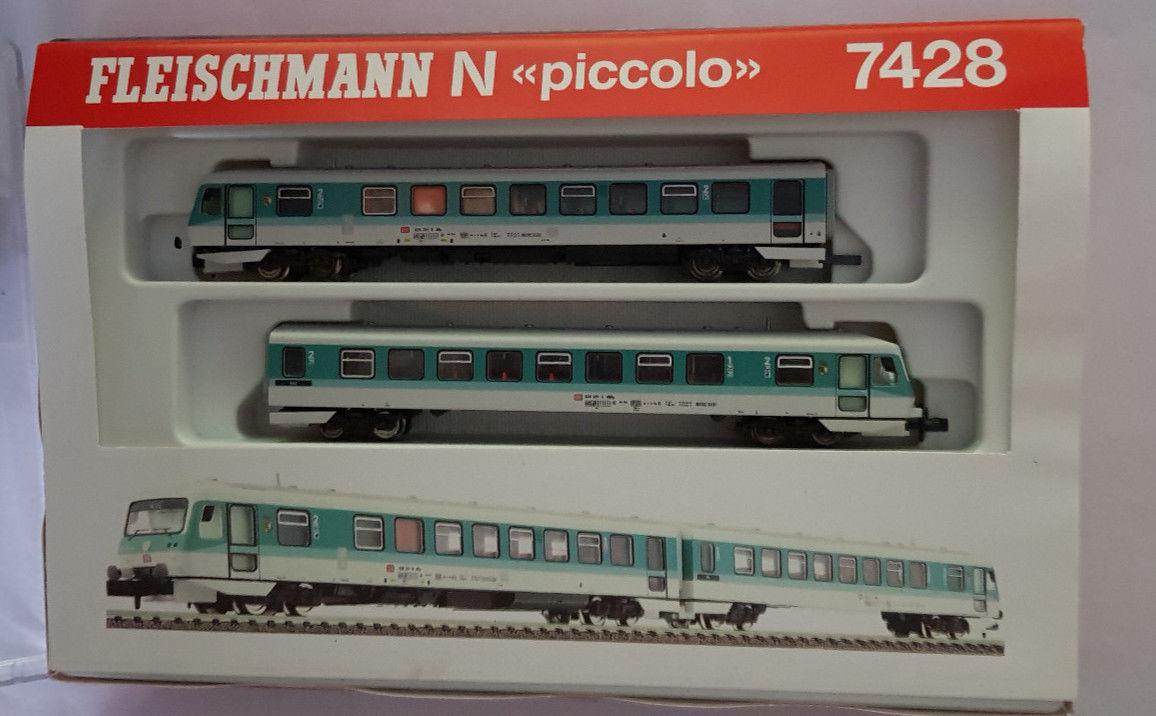 Fleischmann-7428-Triebwagen-Nahverkehr-BR-6282-DB-TOP.jpg