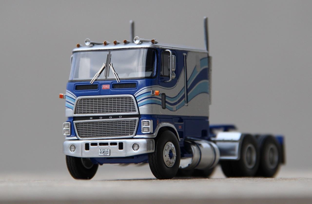 Ford-CLT-9000-08.JPG