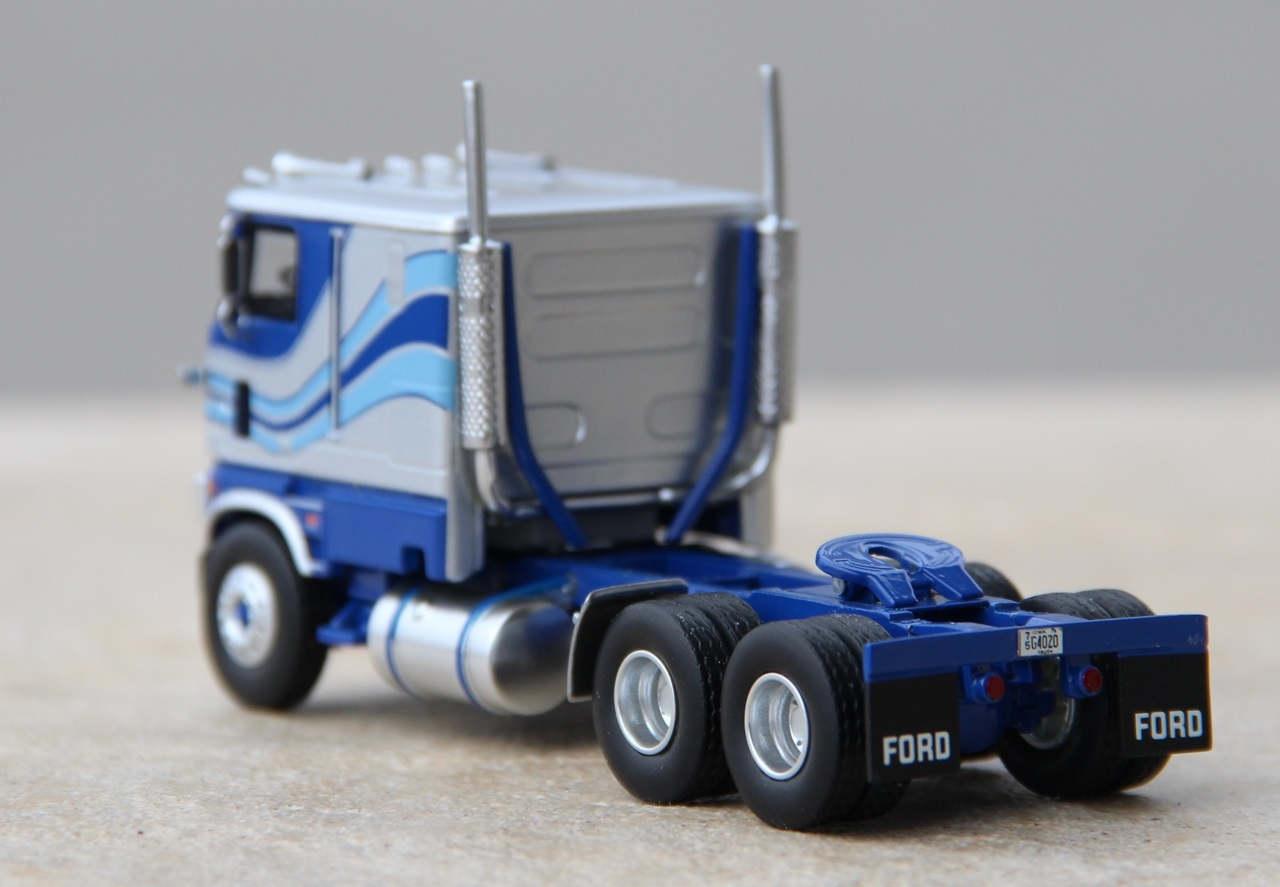 Ford-CLT-9000-10.JPG
