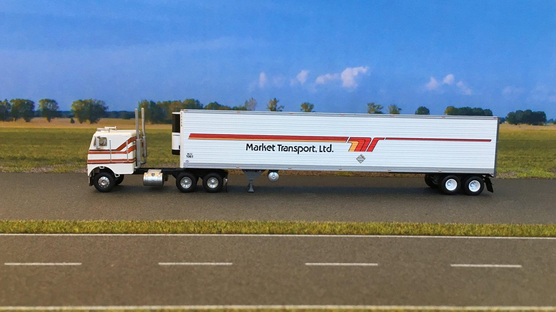 Freightliner Market Transport 01.jpg