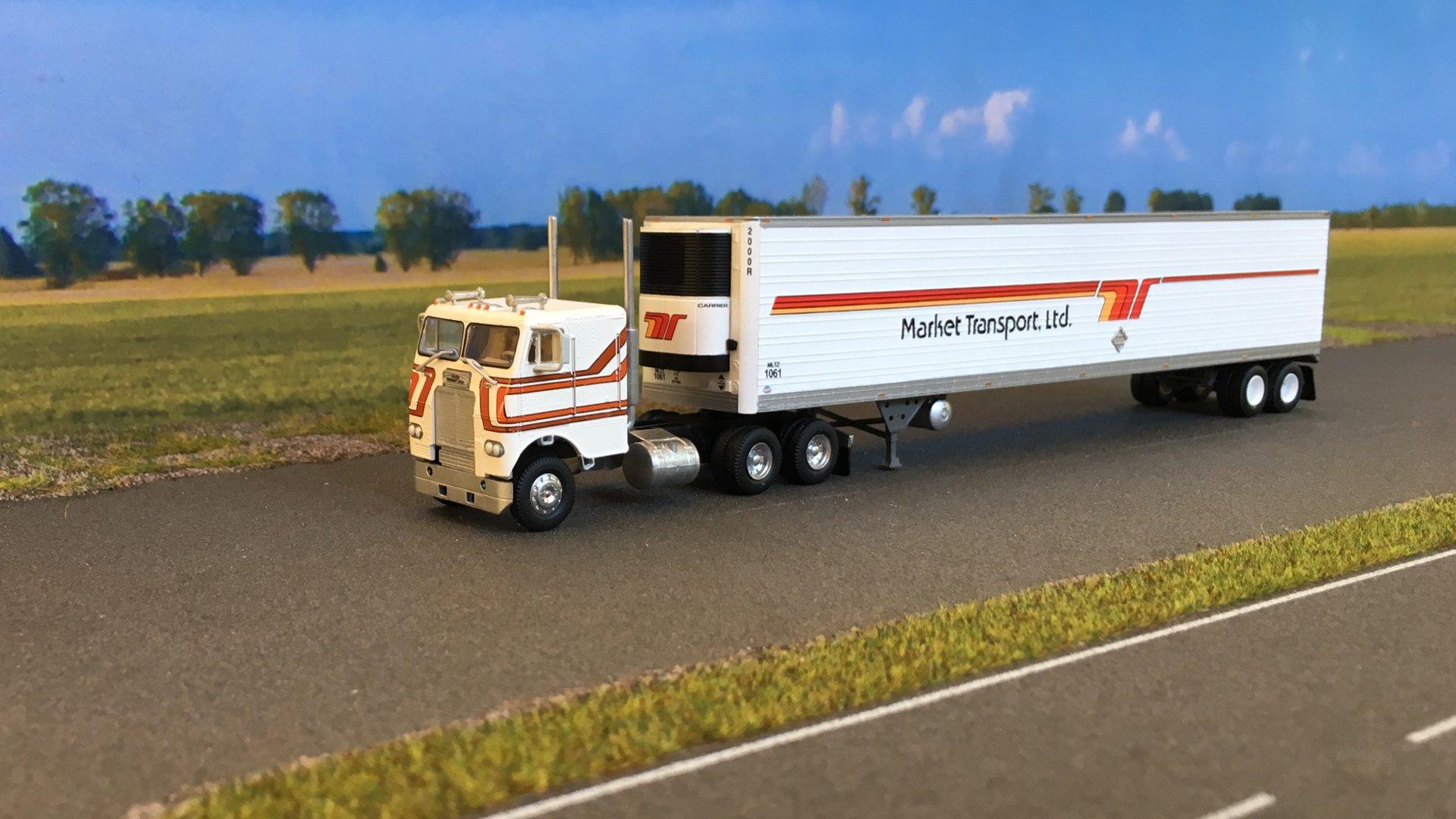 Freightliner Market Transport 02.jpg